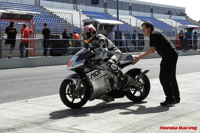画像: 2009年、スペイン・ヘレスでのシーズン前の公式テスト。青山にとっては、4年ぶりとなるホンダへの復帰でした。 www.honda.co.jp