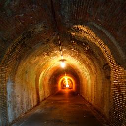 画像: 明治のトンネル