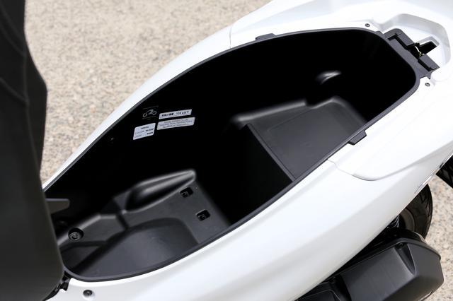 画像4: PCXは125ccスクーターの王様? 原付二種ならではの『コスパ&便利さ』だけのバイクじゃなかった!【ホンダオールすごろく/第28回 PCX】