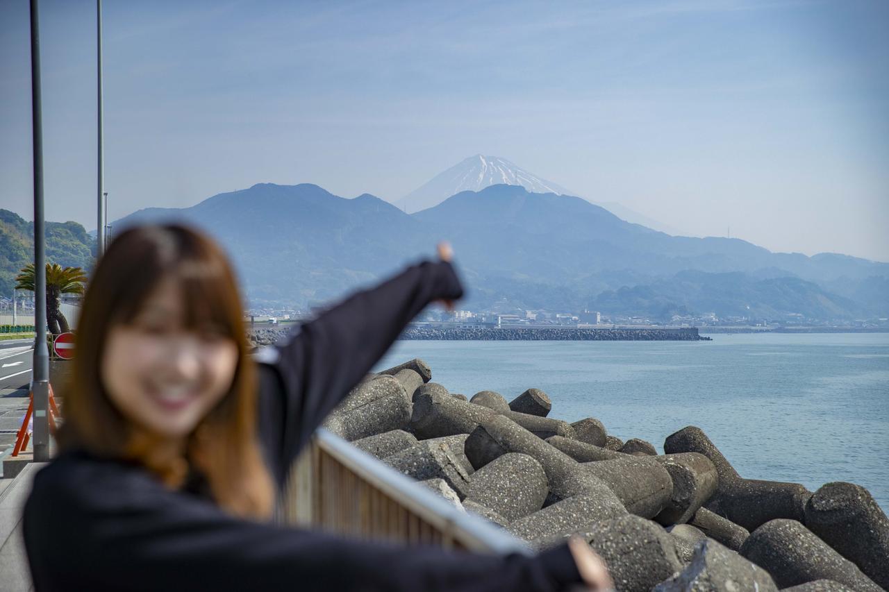 画像4: さっそく海が見えてまいりました!