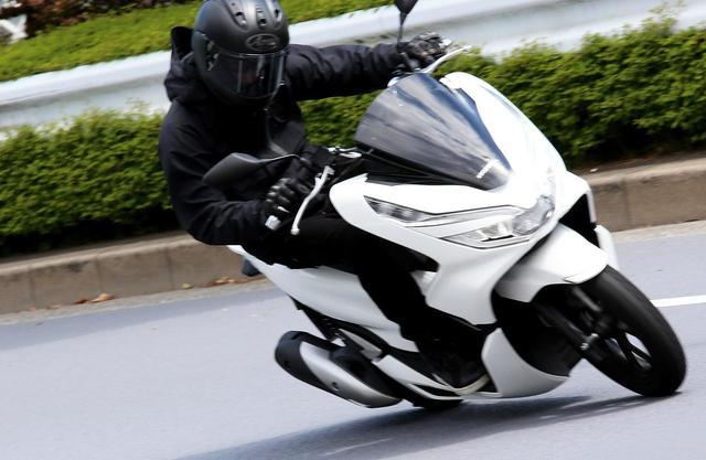画像: PCXは125ccスクーターの王様? 原付二種ならではの『コスパ&便利さ』だけのバイクじゃなかった!【ホンダオールすごろく/第28回 PCX】 - A Little Honda
