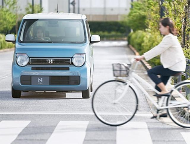 画像: 横断中の自転車にも目が届く『衝突軽減ブレーキ〈CMBS〉』