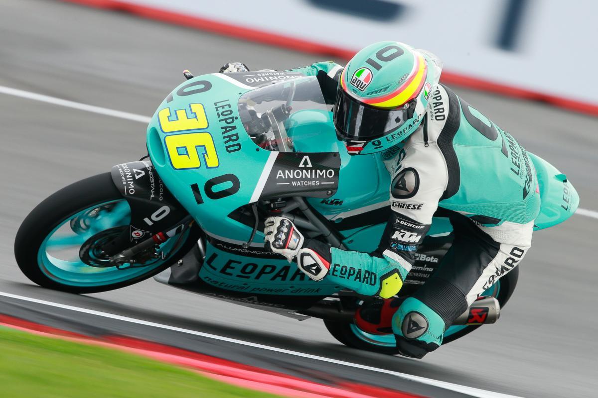 画像: 2016年シーズン、Moto3フル参戦初年度で初優勝をJ.ミル(KTM)は記録します。 www.motogp.com