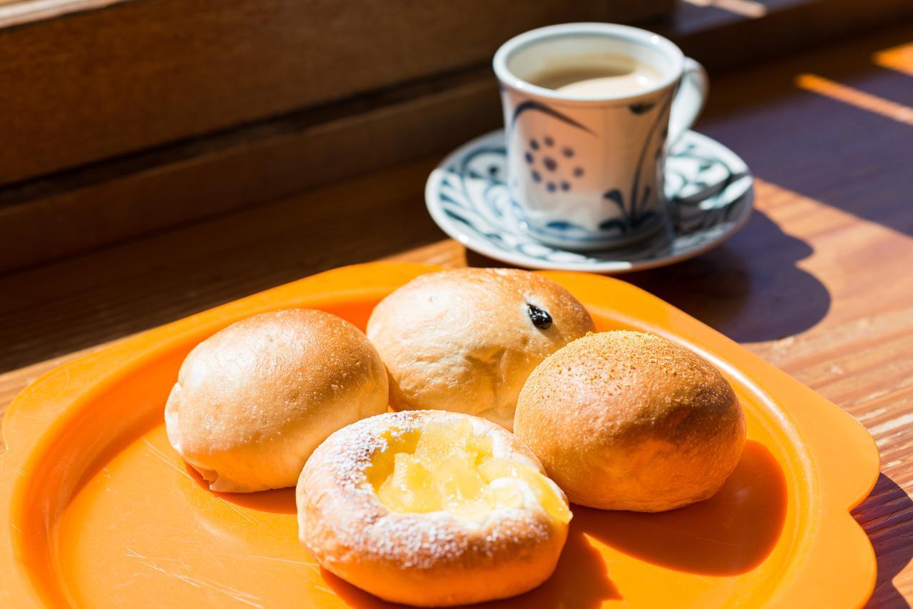 画像2: 横手山頂ヒュッテのパン屋さんへ到着!