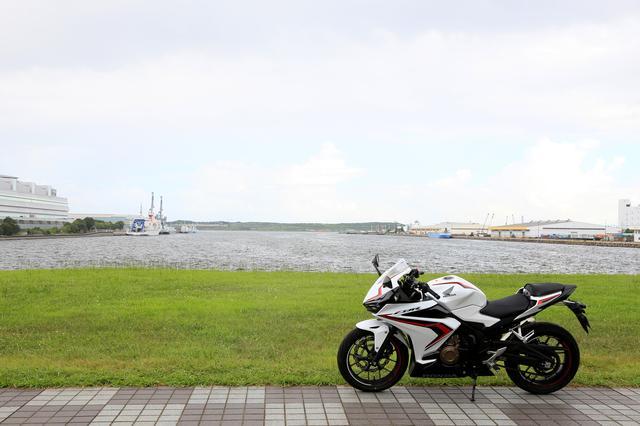 画像1: バイクに乗って何して遊ぶ?