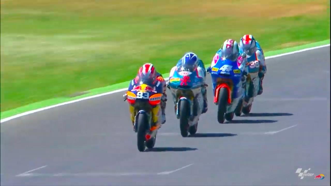 画像: 2010年イタリアGP、デルビに乗りマルケスは125ccクラスでGP初優勝を記録しました! www.youtube.com