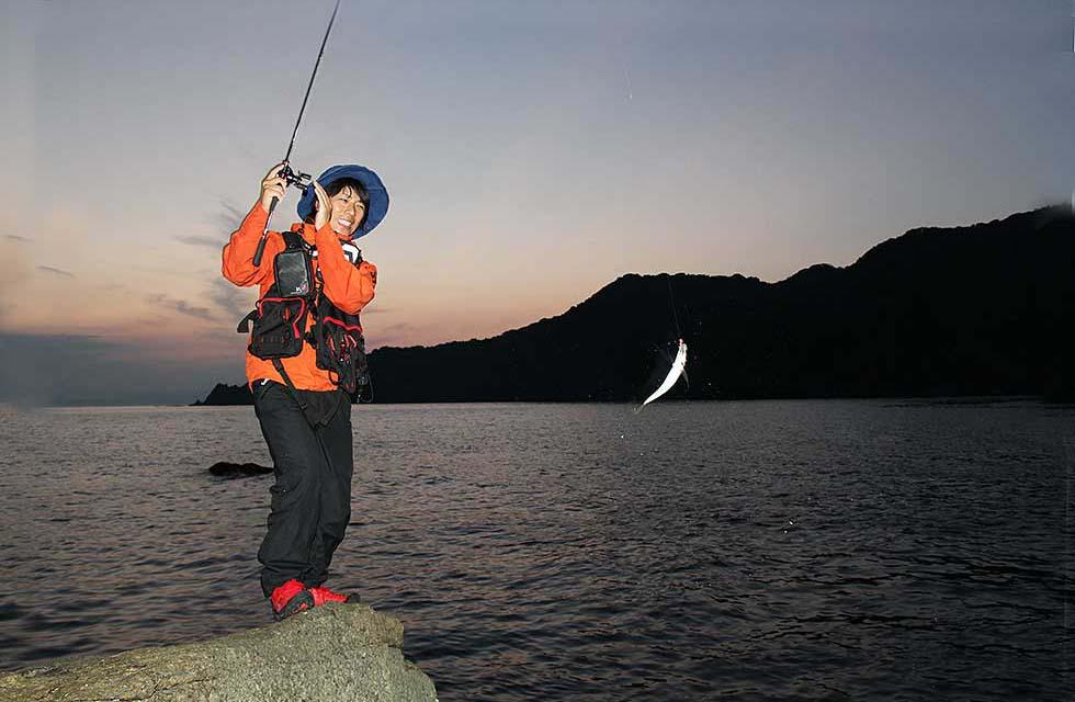 画像: 釣れたときの魚の引き(パワー)も楽しいのがアジ釣り www.honda.co.jp