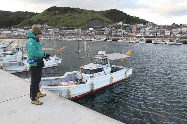 画像: 足場のしっかりした堤防や船着場で楽しめるのがアジ釣りのいいところ!(立ち入り禁止区域や釣り禁止の場所もありますので注意) www.honda.co.jp