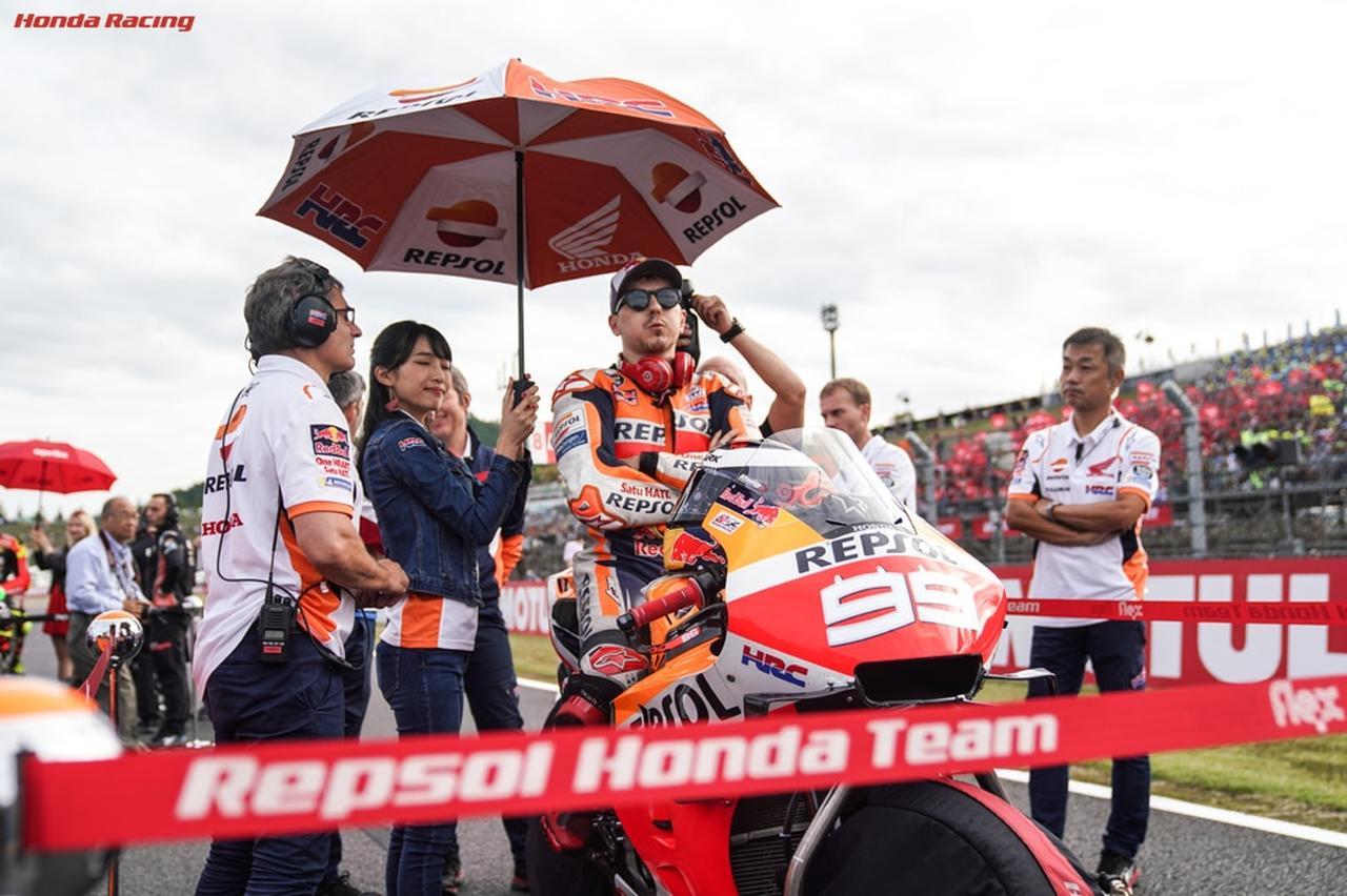 画像: マルケスのチームメイトとして、ハードなシーズンをおくる元MotoGP王者のホルヘ・ロレンソ。ツインリンクもてぎでの日本GPでは、決勝17位という成績でした・・・。 www.honda.co.jp