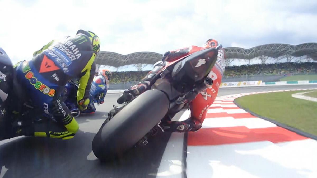 画像: FREE: Marquez from 11th to 2nd on lap 1 in Malaysia