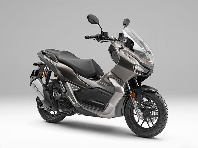 画像: シックな仕上がりのマットメテオライトブラウンメタリックのカラーリングは、乗る人の年代・性別を選ばないでしょう。なお販売計画台数(国内・年間)は3,000台とのことです。 www.honda.co.jp