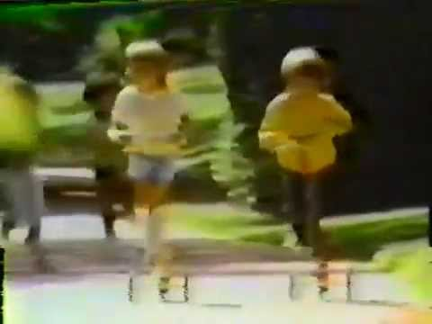 画像: 70's Ads: Honda Kick 'N Go Scooter youtu.be