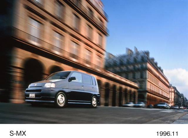 画像: 全長4mの短さ 当時流行していたボクシーなミニバン