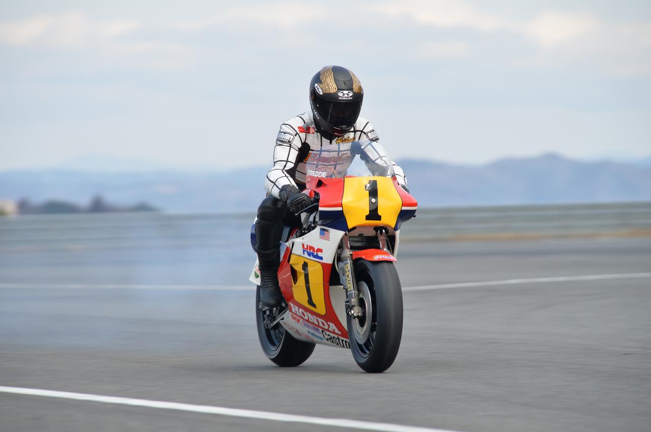 Images : 10番目の画像 - ホンダ歴代のレーシングマシン動態確認テスト 画像一覧(クリックして拡大) - A Little Honda | ア・リトル・ホンダ(リトホン)
