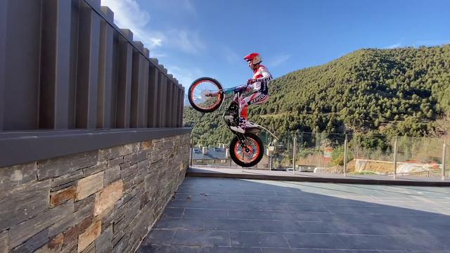 画像: Toni Bou sigue entrenando / Toni Bou training youtu.be