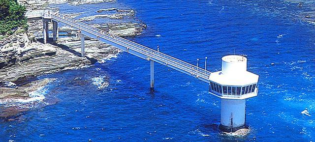 画像: かつうら海中公園海中展望塔