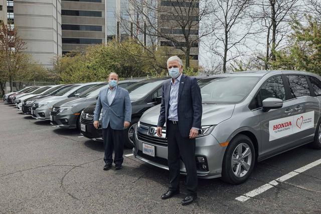 画像: 米国での感染者搬送車両(仕立て車)。デトロイトのほかにも、ホンダは他のアメリカの自治体への貸与を検討していくとのことです!
