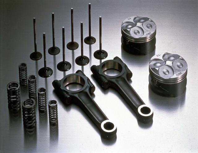 画像: 「RC30 FOREVER」で再生産、販売されるパーツの一例。RC30を走らせ続けることを目的に、再生産するパーツは選定されています。