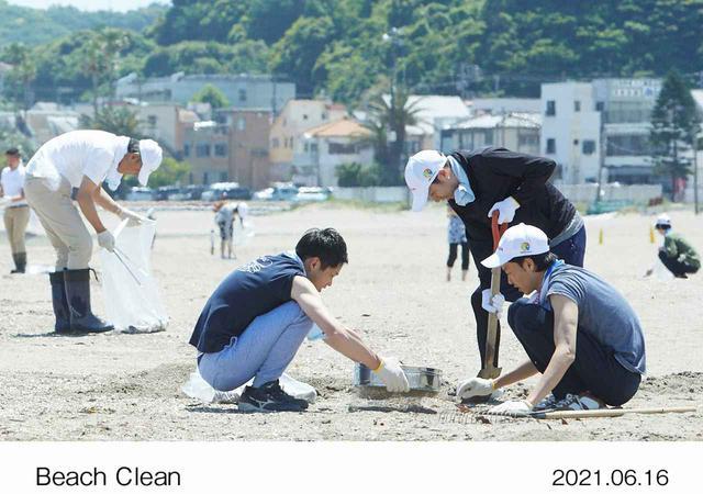 画像: Honda関係者だけでなく、地域住民の方なども参加する手拾い清掃