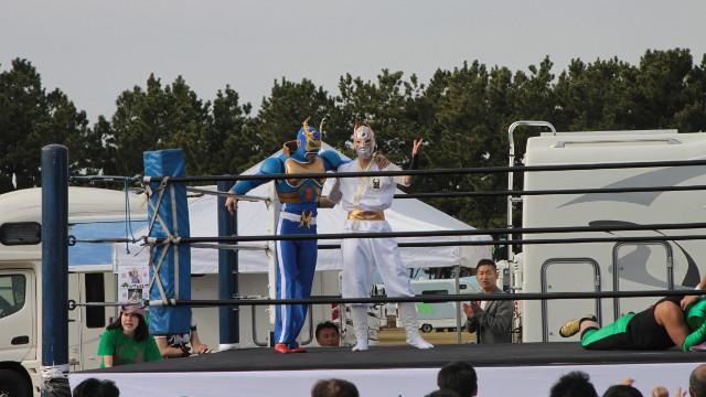 画像1: ミヤマ☆仮面率いる「森のプロレス」では、観客参加型の楽しいプロレスも見れちゃう!!