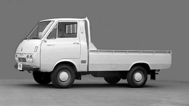 画像2: トヨタ「ハイエース」50年の系譜! ワンボックスカーの歴史を切り拓いた珠玉の名車!