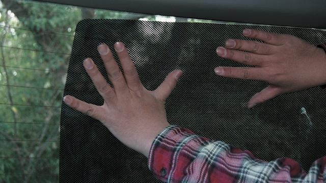 画像: 2.リア側にはスモークフィルムを貼っておく