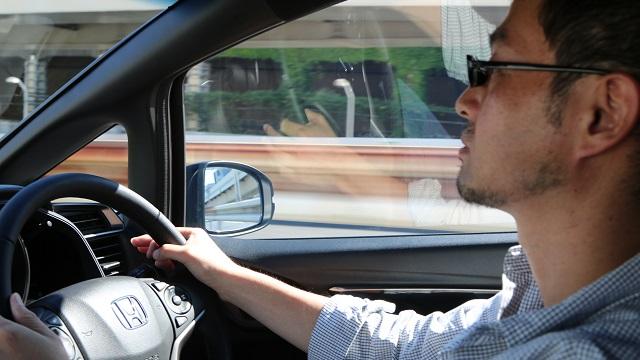 画像: 首都高速をスーイスイ!! 確かに快適だ
