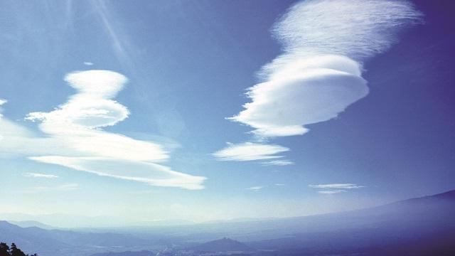 画像: レンズ雲