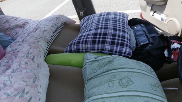 熊本地震で車中泊避難していた方の車内