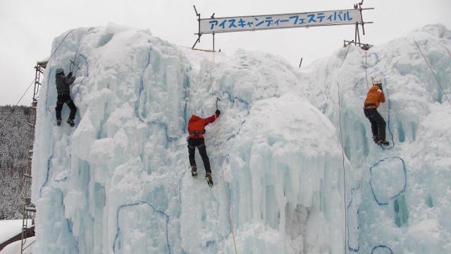 画像: 15 赤岳鉱泉(通年営業) アイスキャンディーは12月中旬〜3月末