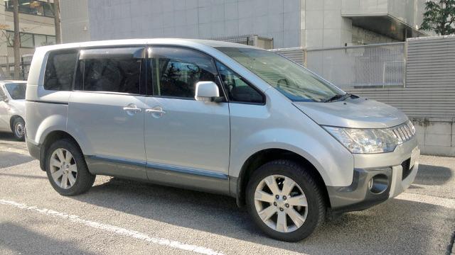 画像: 簡易アイテムで、お金をかけずに車中泊仕様にするのが、編集部のモットー