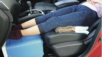 画像9: 一般車で安眠するための、カラダ水平アイデア選手権!