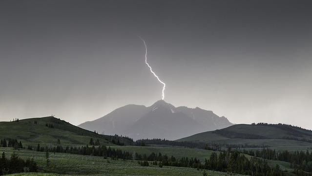 画像: 山の天気が変わりやすいのは本当だった! その理由は……