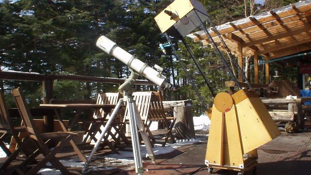 画像: 5 高見石小屋(通年営業) 12/10にクリスマス会、12/31に忘年会、1/1に新年会を開催