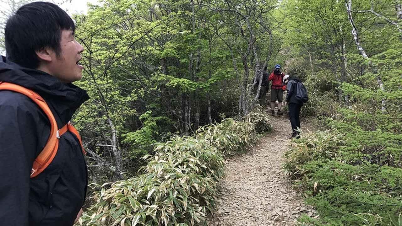 画像9: いざ、入笠山の山頂へ! しかし悪天候で周囲は真っ白……
