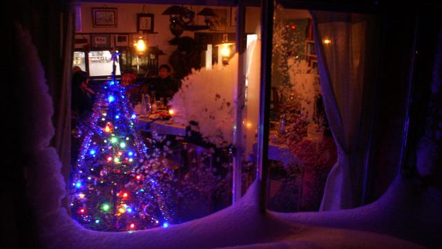 画像: 7 麦草ヒュッテ(通年営業) 12/21にクリスマス会、12/31に忘年会、1/1に新年会を開催