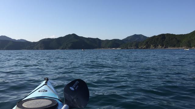 画像2: この瞬間を待っていた! 透明度の高い熊野灘をシーカヤックで進む、進む