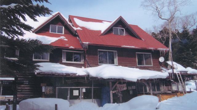 画像: 4 青苔荘(せいたいそう、通年営業) 雪山入門プランもあり