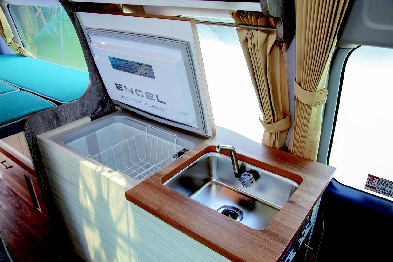 画像: 冷蔵庫とシンクが標準装備