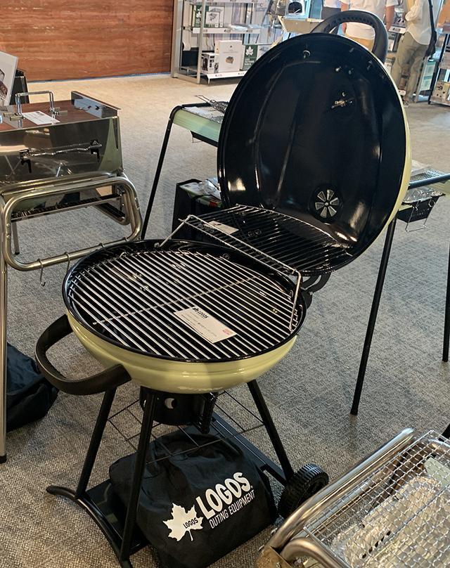 画像: 「LOGOS CHEF 蓋付きガーデングリル」。本体は琺瑯加工。54,500円