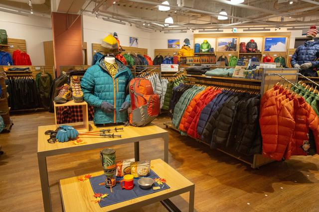 画像: モンベル グランベリーパーク店には登山用品やキャンプ用品などが充実!