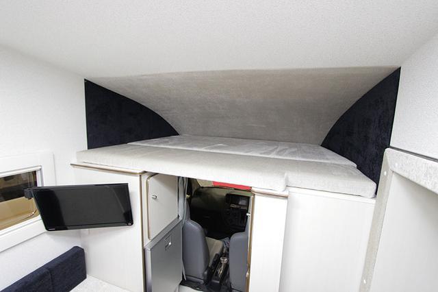 画像: バンクベッドを標準装備。