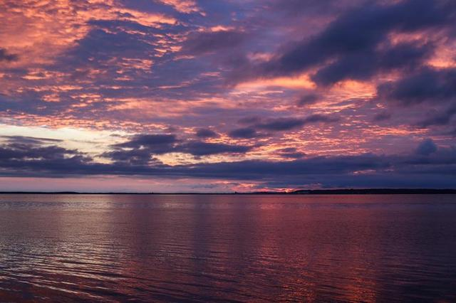 画像: 到着したのは明け方のサロマ湖。 photo by hiro