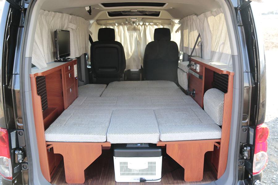 画像: NV200ベースの車中泊カー「キャネル」のシートアレンジは3形態ある。