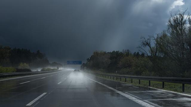 画像: 【車中泊の素朴な疑問2】車中泊旅で異常気象に遭遇したら……? - アウトドア情報メディア「SOTOBIRA」