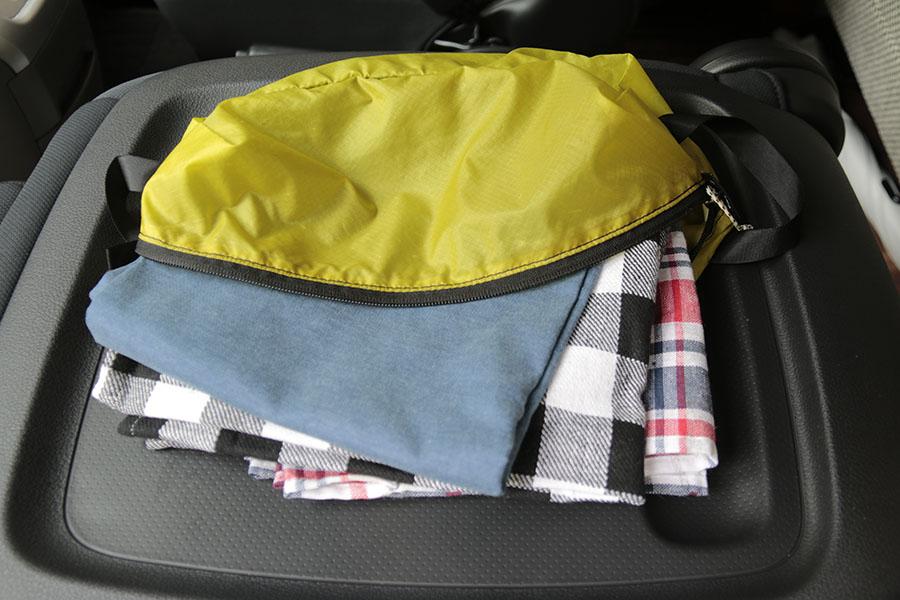 画像: 車中泊旅では使い捨てのペーパータオルやキッチンペーパーを準備。