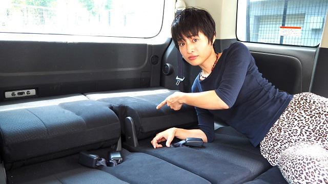 画像: 車中泊の快適アイデア! 一般車で水平に寝るためのアイデア4選! - アウトドア情報メディア「SOTOBIRA」