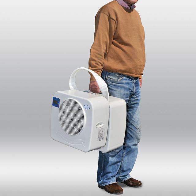 画像: 分離型クーラーで室外機を取り付けるためのアダプターもある。
