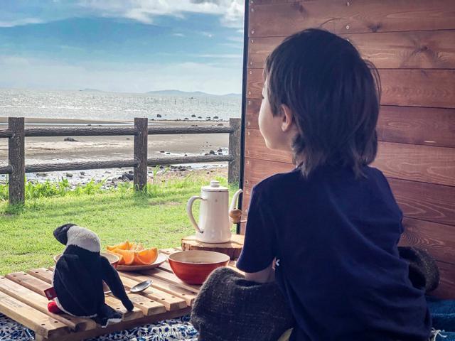 画像: この車から見える景色は、格別なものに変わる。2019年8月大分県にて。アリとおかあさんの旅九州編より。