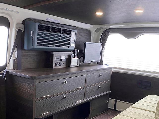 画像: エアコン搭載のキャンピングカーは夏車中泊の救世主⁉ 家庭用エアコン搭載が近年流行中! - アウトドア情報メディア「SOTOBIRA」